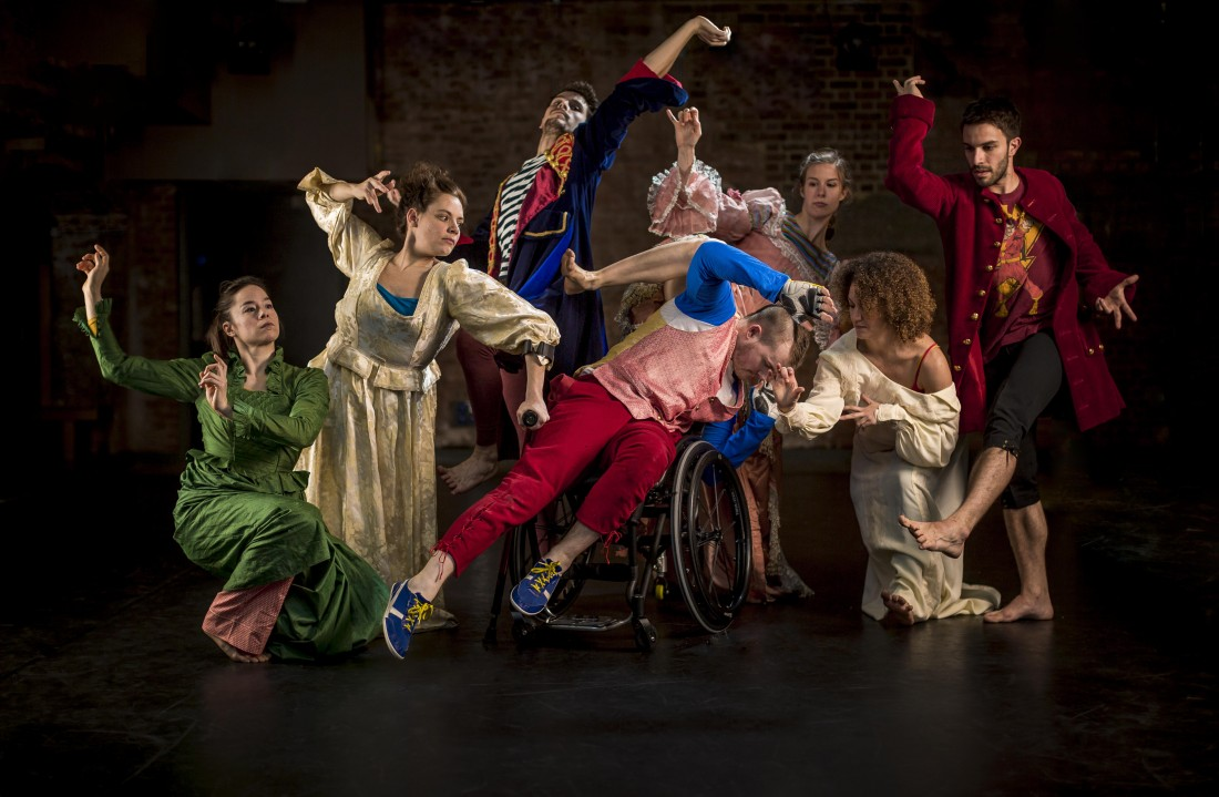Candoco Dance Company return to Lancaster on Thursday 27 November at the Nuffield Theatre