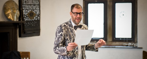 Kenneth Goldsmith, <em>The 1703 Weather Diary of Thomas Appletree</em>, 2012. Photo: Colin Davison. Courtesy of AV Festival 12.